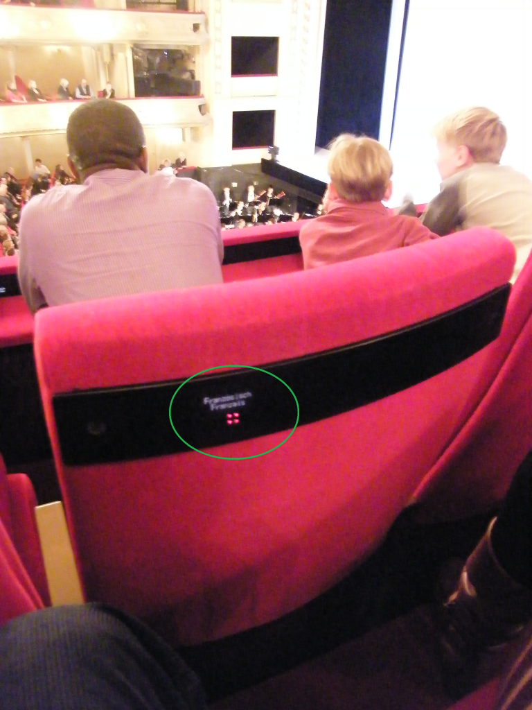 electronic libretto system of the Komische Oper in integrated in the very seats