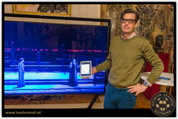 Mr WIDAUER presenting the companion app of the opera live streaming offer of Vienna State Opera